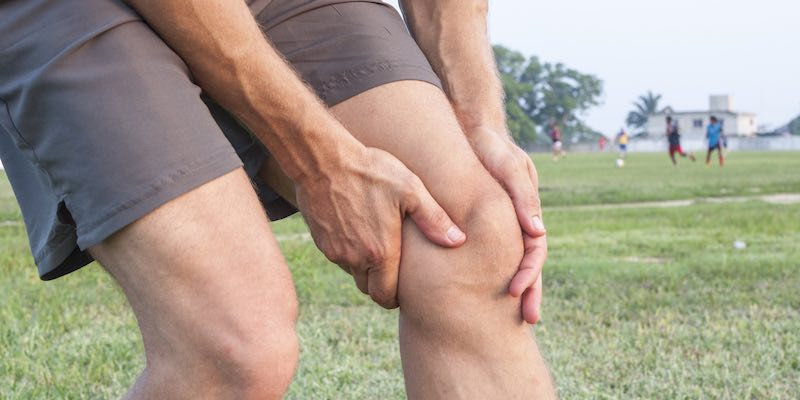 How to Care for a Swollen Knee